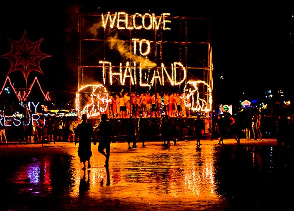 Thailand-Fullmoon-Party-12